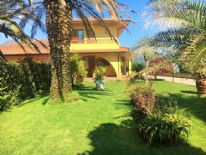 two-family house for sale Camaiore : two-family house  for sale  Camaiore
