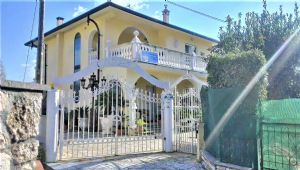 detached villa for sale Pietrasanta : detached villa  for sale  Pietrasanta