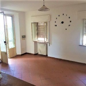 country house for sale Massarosa : country house with garden for sale Massarosa Massarosa