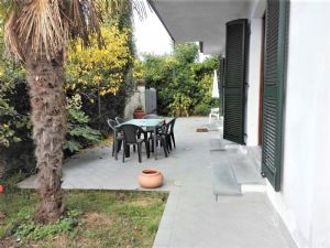 two-family house for sale Forte dei Marmi : two-family house with garden for sale Forte dei Marmi Forte dei Marmi