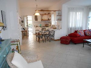 Focette 300 metri dal mare villa bifamiliare : two-family house  for sale  Pietrasanta