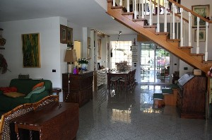 Lido di Camaiore, 200 mt from the sea, villa with garden : detached villa  for sale  Lido di Camaiore